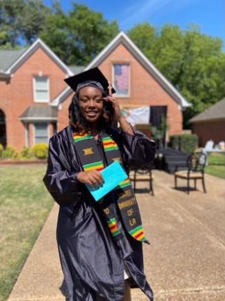 front-yard-graduation-ceremony-3