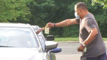 retired-officer-gives-cash-benson-ratlif