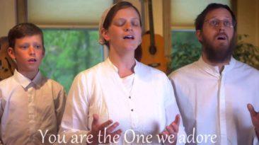 wonderful-merciful-savior-sounds-like-reign