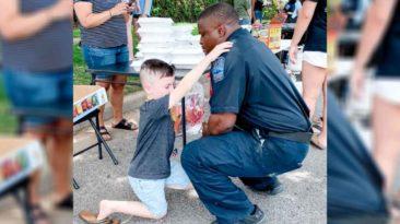 boy-prays-for-officer