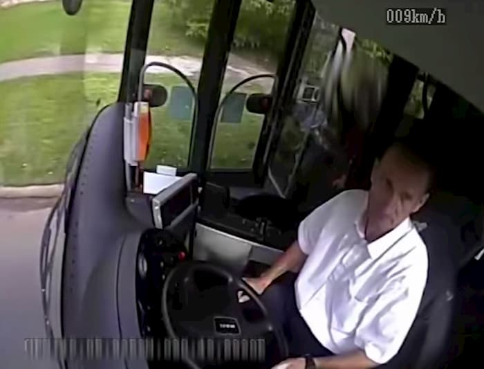 bus-driver-saves-elderly-woman-from-attacker-2