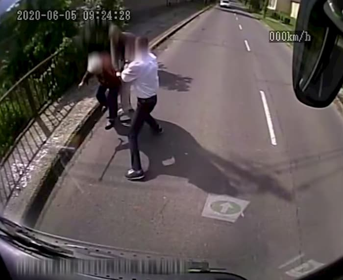 bus-driver-saves-elderly-woman-from-attacker-4