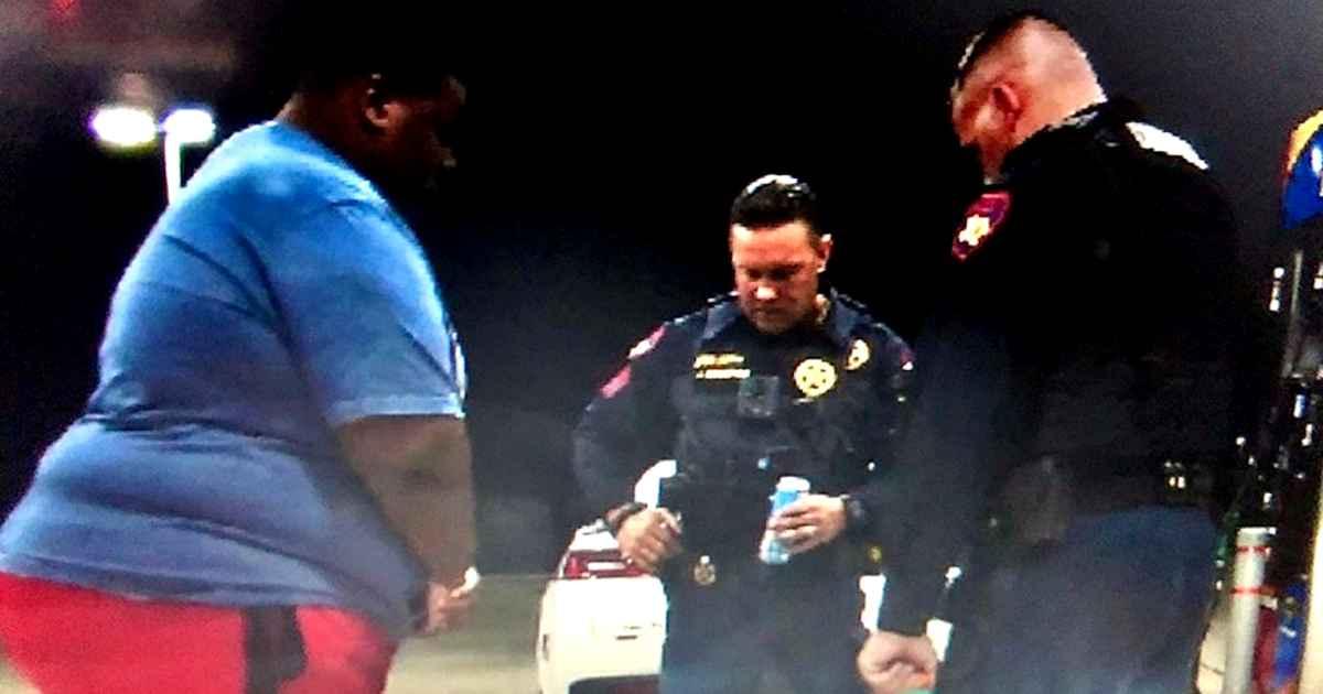 man-prays-for-deputies