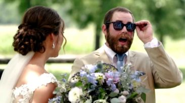 bride-gives-groom-color-blind-glasses