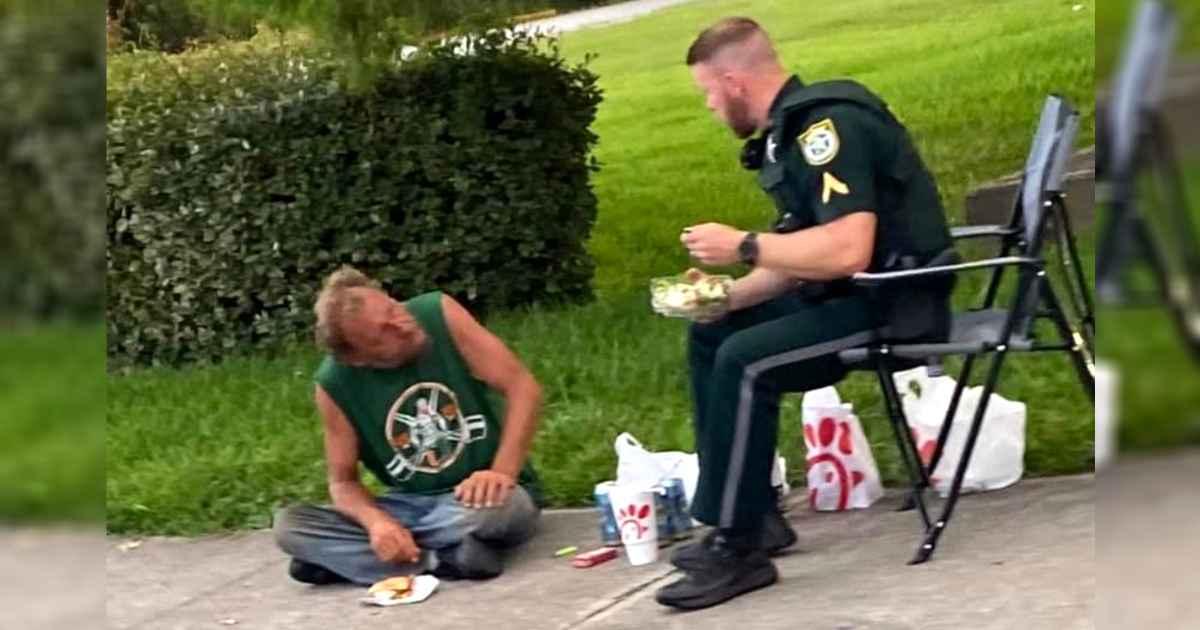 deputy-shares-dinner-with-homeless-man
