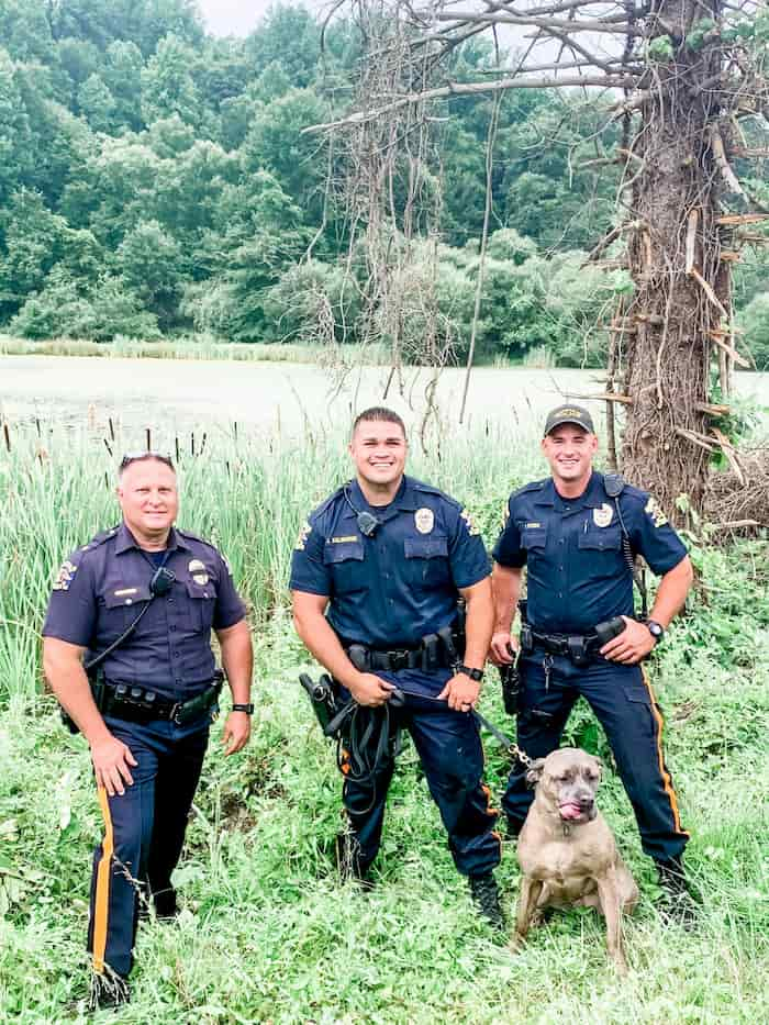 police-officer-rescues-drowning-dog-2