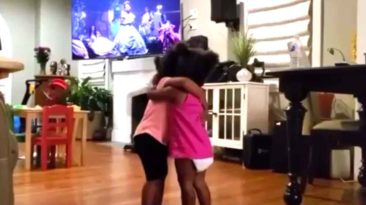 cousin-girls-hug-and-dance-to-beyonce