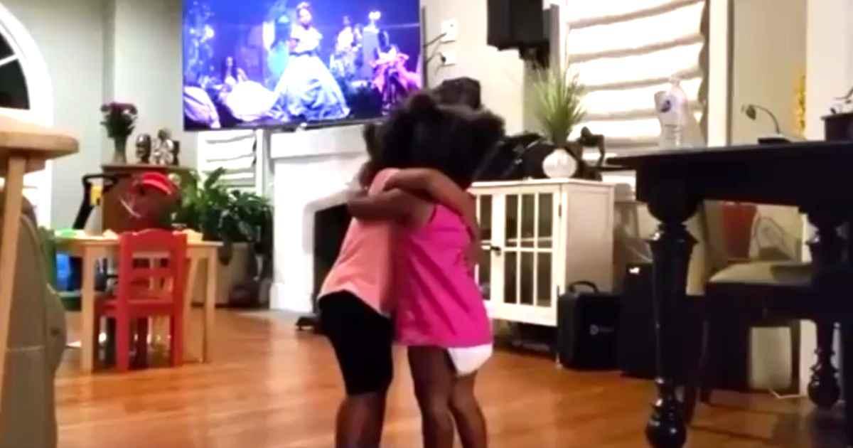 cousin-girls-hug-and-dance-to-beyonce