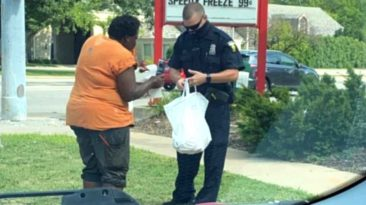 officer-feeds-homeless-chick-fil-a