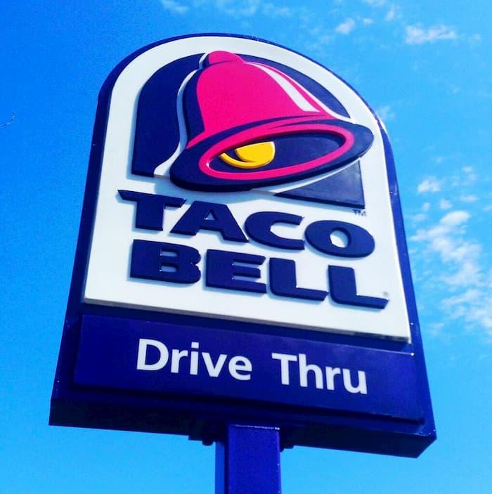 taco-bell-employee-saves-man-2