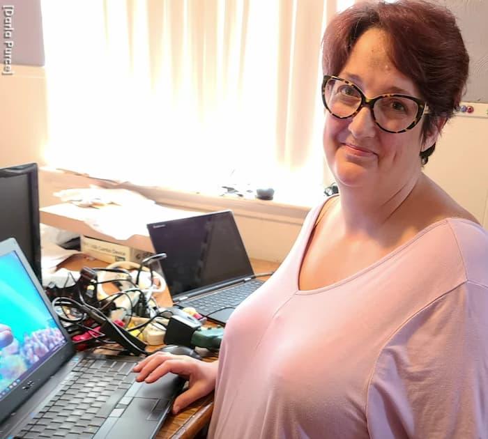 refurbished-laptops-darla-purce-3