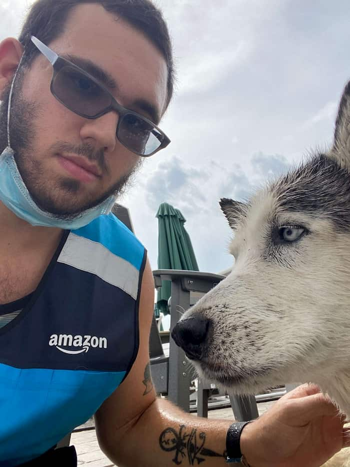 amazon-delivery-man-saves-dog-3