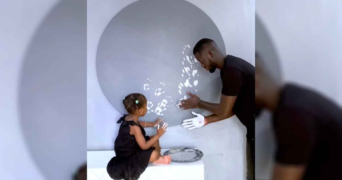 artist-paints-with-daughter