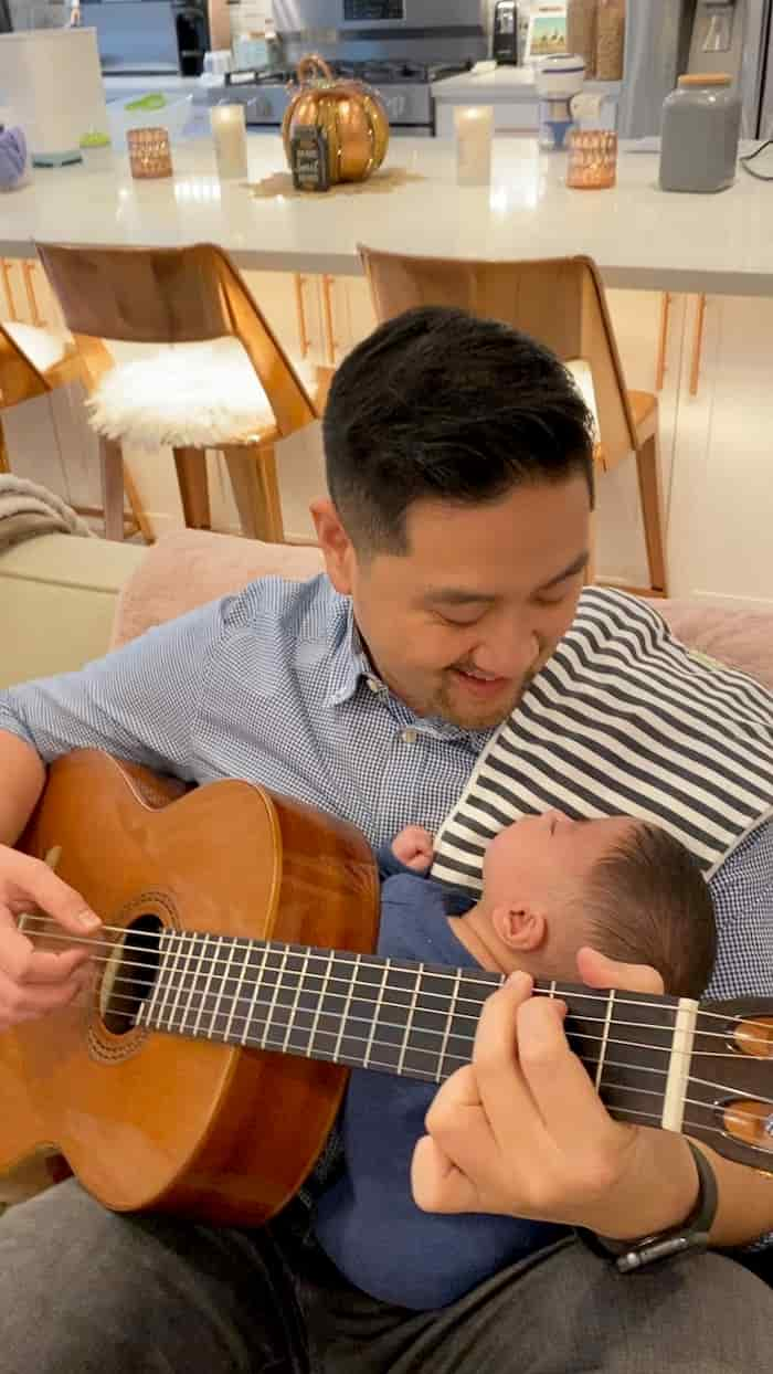 dad-sings-can't-help-falling-in-love-to-miracle-baby-3