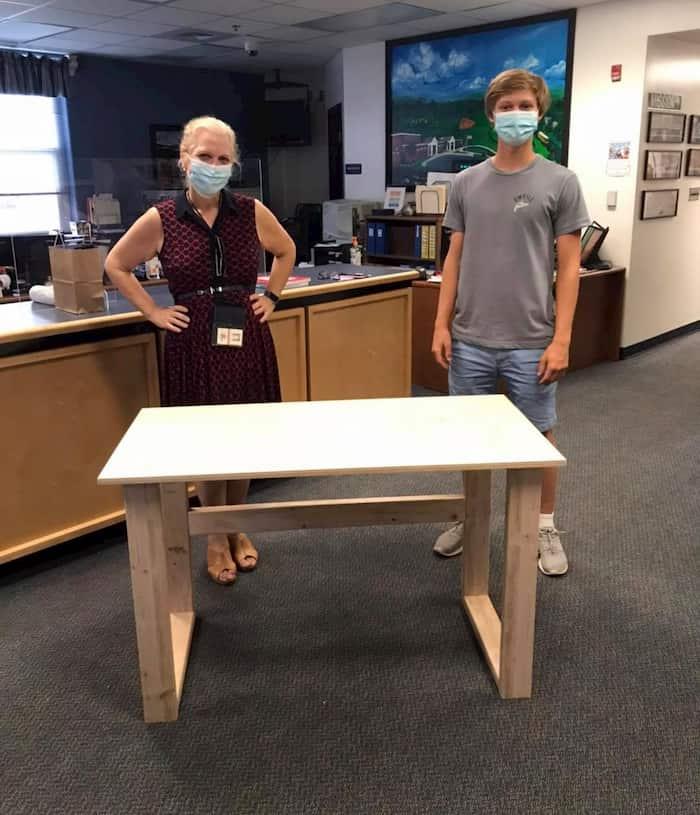 free-desks-for-distance-colby-samide-3