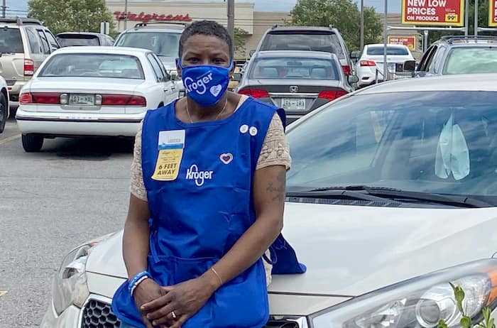 kroger-hires-homeless-woman-2
