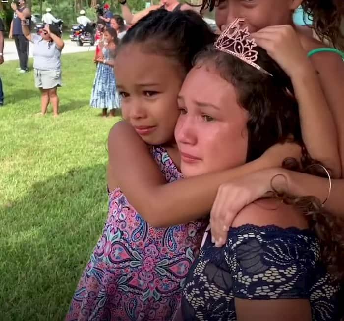 police-surprises-fallen-officer's-daughter-on-quinceañera-3