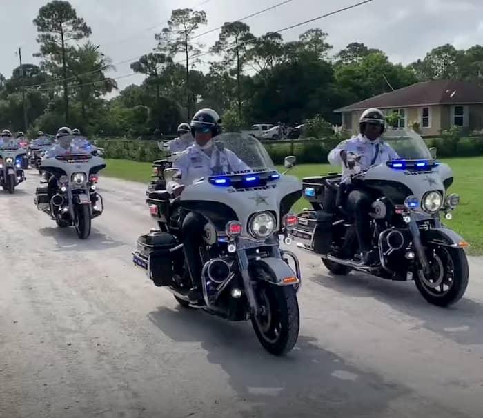 police-surprises-fallen-officer's-daughter-on-quinceañera-4