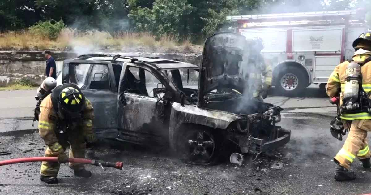 teen-saves-mom-and-children-from-burning-car-justin-gavin