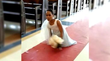 bride-without-legs-walk-down-aisle
