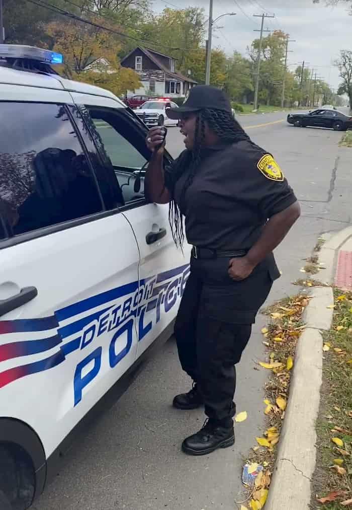 detroit-police-chaplain-prays-for-city-nora-jones-3