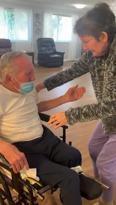 elderly-couple-reunited-coronavirus-3