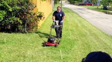 firefighters-mow-lawn-for-veteran
