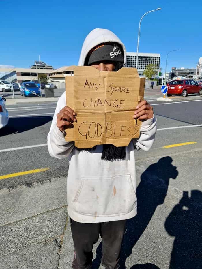 homeless-man-dominos-2