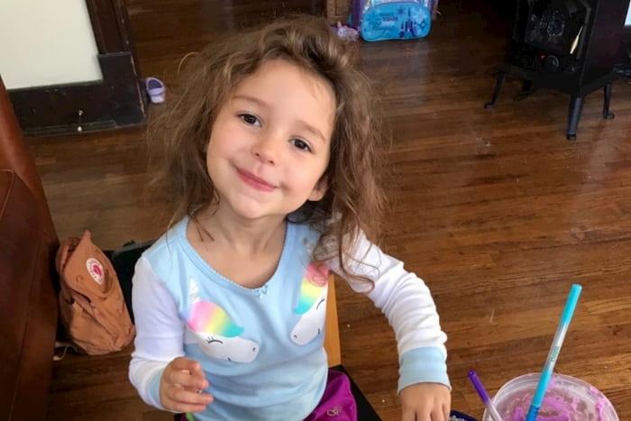 4-year-old-girl-with-cancer-imi-schneider-2