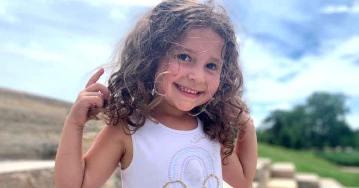 4-year-old-girl-with-cancer-imi-schneider