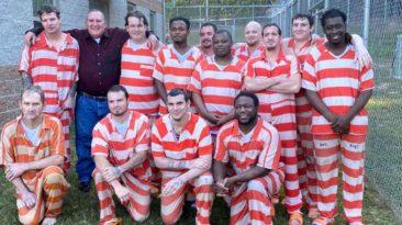 mississippi-inmates-baptism