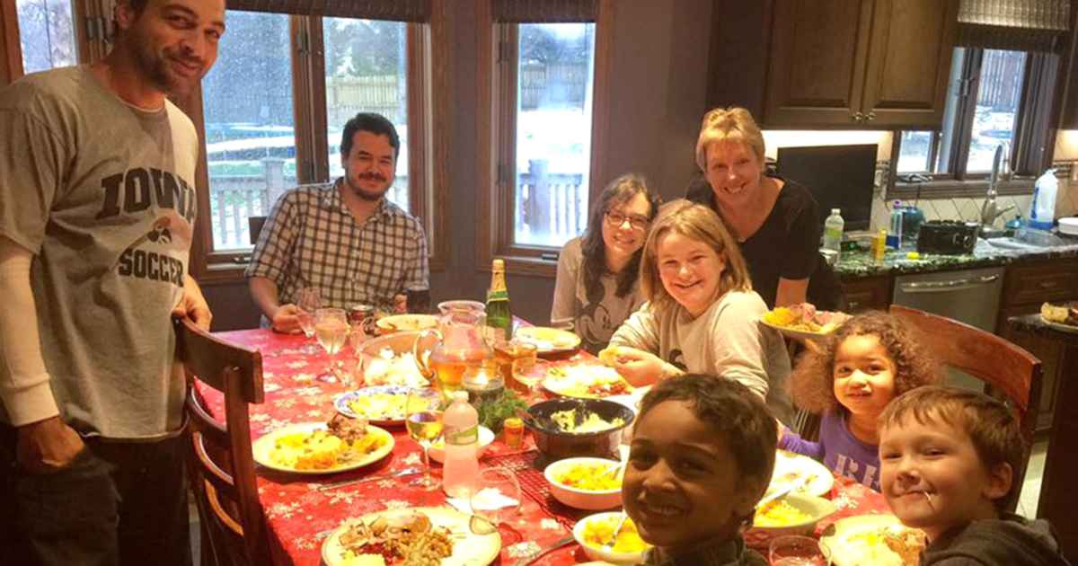 professor-delivers-thanksgiving-meals-to-students-elizabeth-pearce