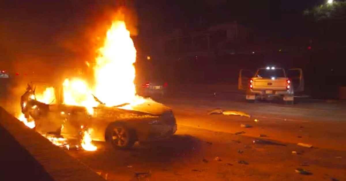 strangers-rescue-women-from-burning-car