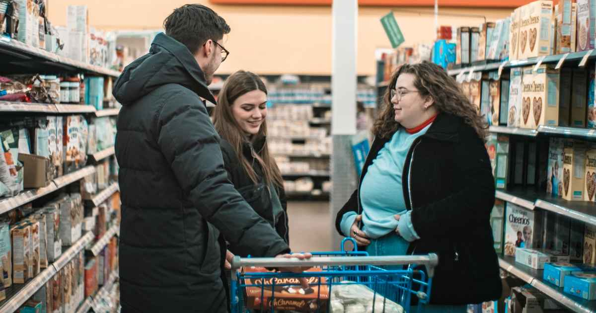 woman-pays-for-strangers'-groceries-brandy-bisson