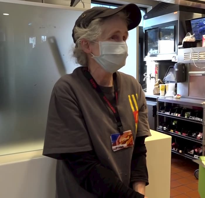 grandmother-working-at-mcdonald's-receives-christmas-surprise-2
