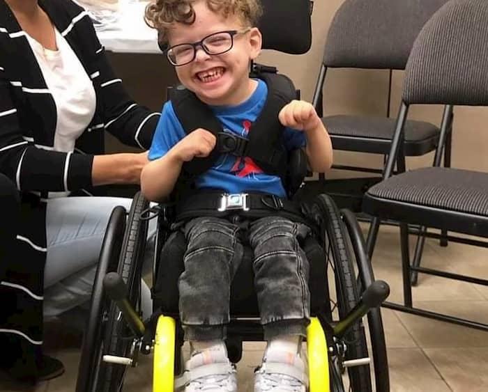 cerebral-palsy-boy-walking-malakai-2