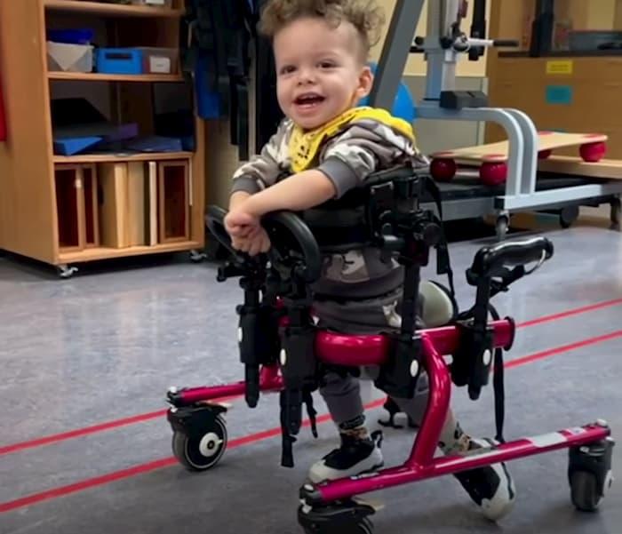 cerebral-palsy-boy-walking-malakai-3