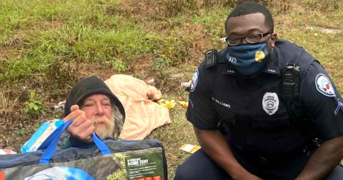 police-officer-buys-tent-for-homeless-man-bryan-williams
