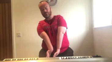 disabled-man-plays-piano-bart-gee