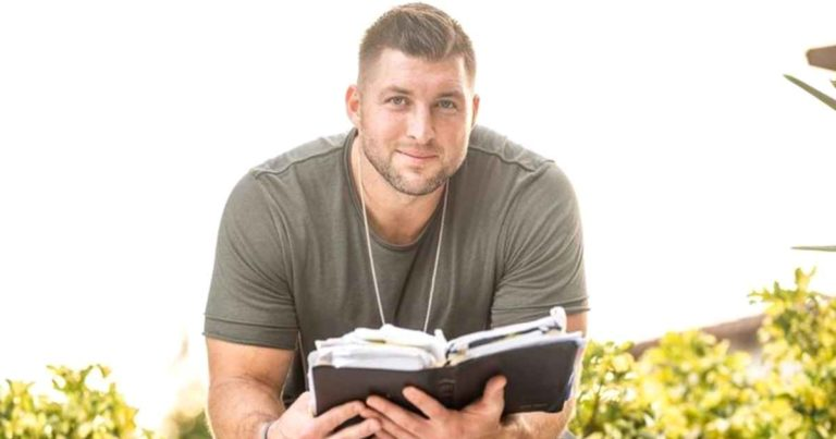 tim-tebow-passion-2021