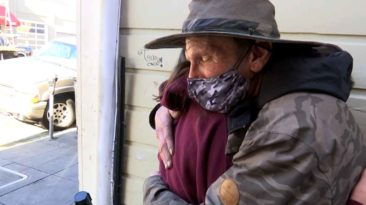 girl-donates-birthday-money-to-homeless-man