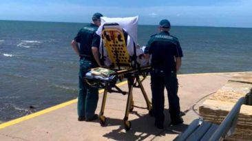 paramedics-take-dying-woman-to-beach
