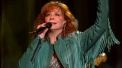 back-to-god-reba-mcentire-live
