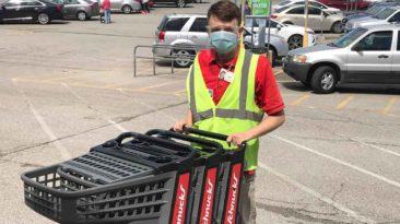 illinois-supermarket-employee-saves-baby