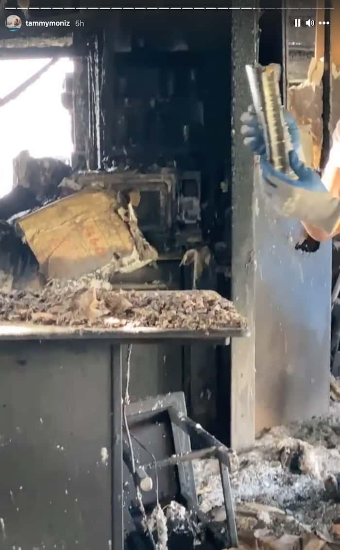 bible-survives-house-fire