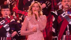 helene-fischer-the-crossed-swords-pipes-amazing-grace