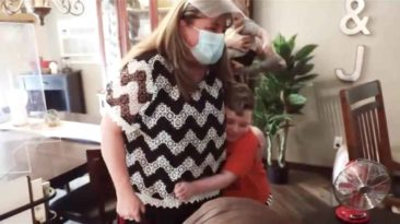 teacher-visits-student-with-leukemia-barb-heim
