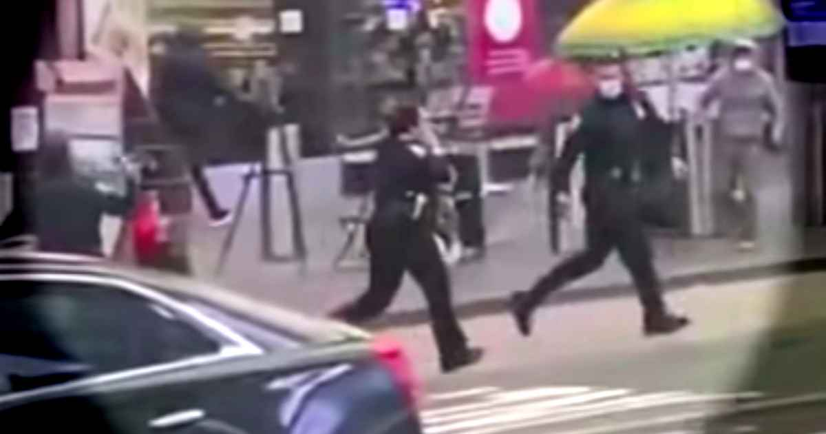 cop-rescues-child-times-square-shooting