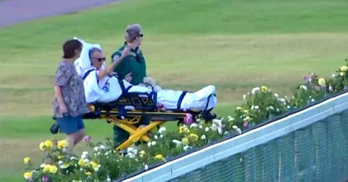 paramedics-grants-dying-man's-wish-watch-horse-race