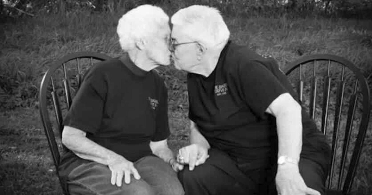 couple dies hours apart